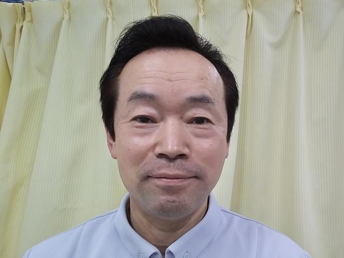 院長高橋の顔写真